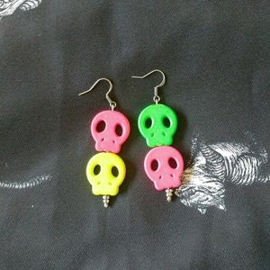FREE w/purchase skull earrings